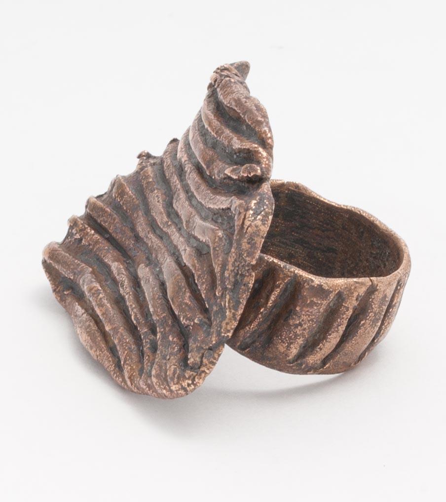Brons afdruk van schep ring | Sieraad - Belinda Brama