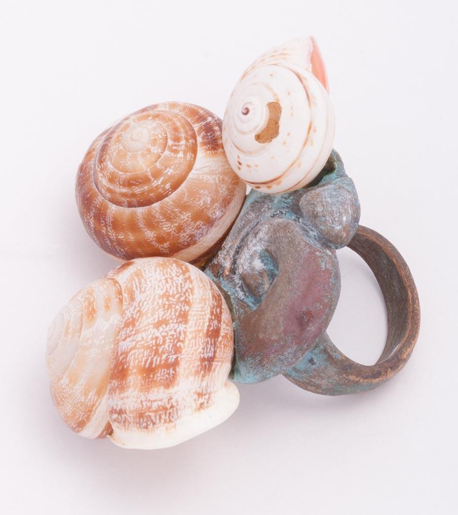 Brons met schelpen ring | Sieraad - Belinda Brama