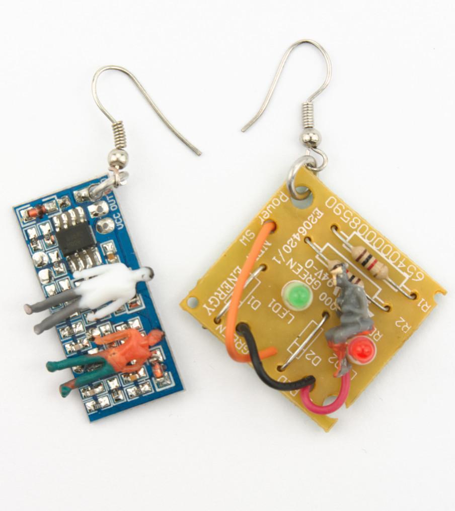 Computer Items - Different - oorbellen | Sieraad - Belinda Brama