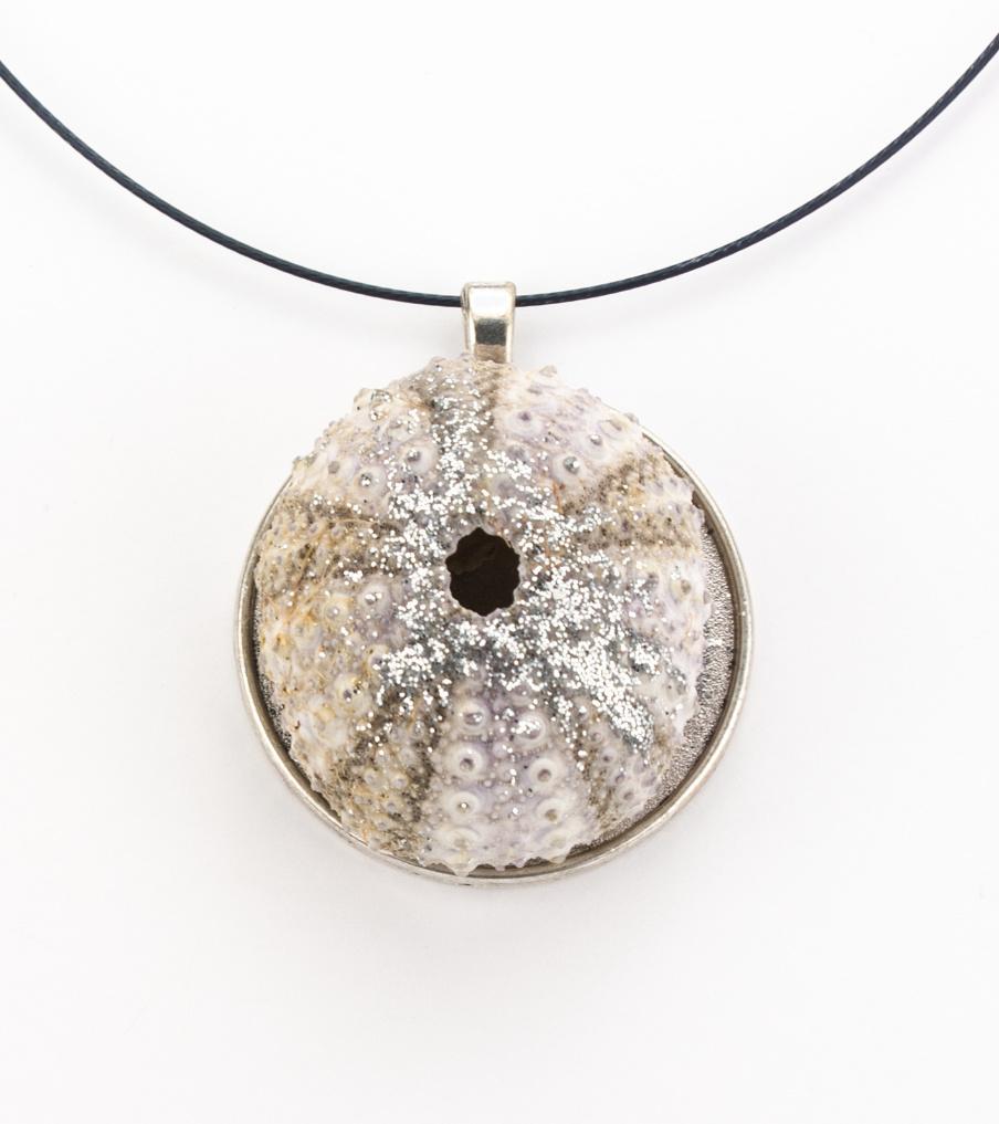 Crab - shell - hanger | Sieraad - Belinda Brama