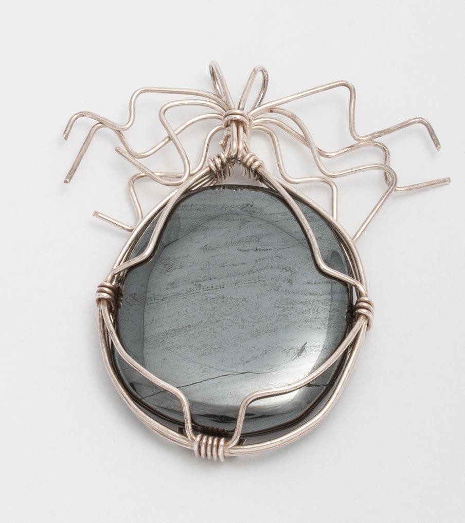 Hematiet hanger wirewrapping | Sieraad - Belinda Brama