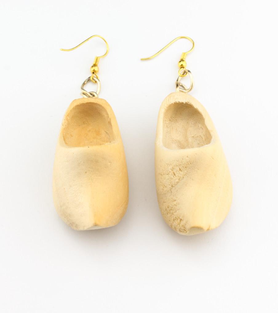 Wooden shoes - oorbellen | Sieraad - Belinda Brama