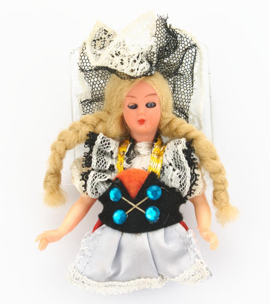 Traditional Dolls - Appenzell Zwitserland - broche | Sieraad - Belinda Brama