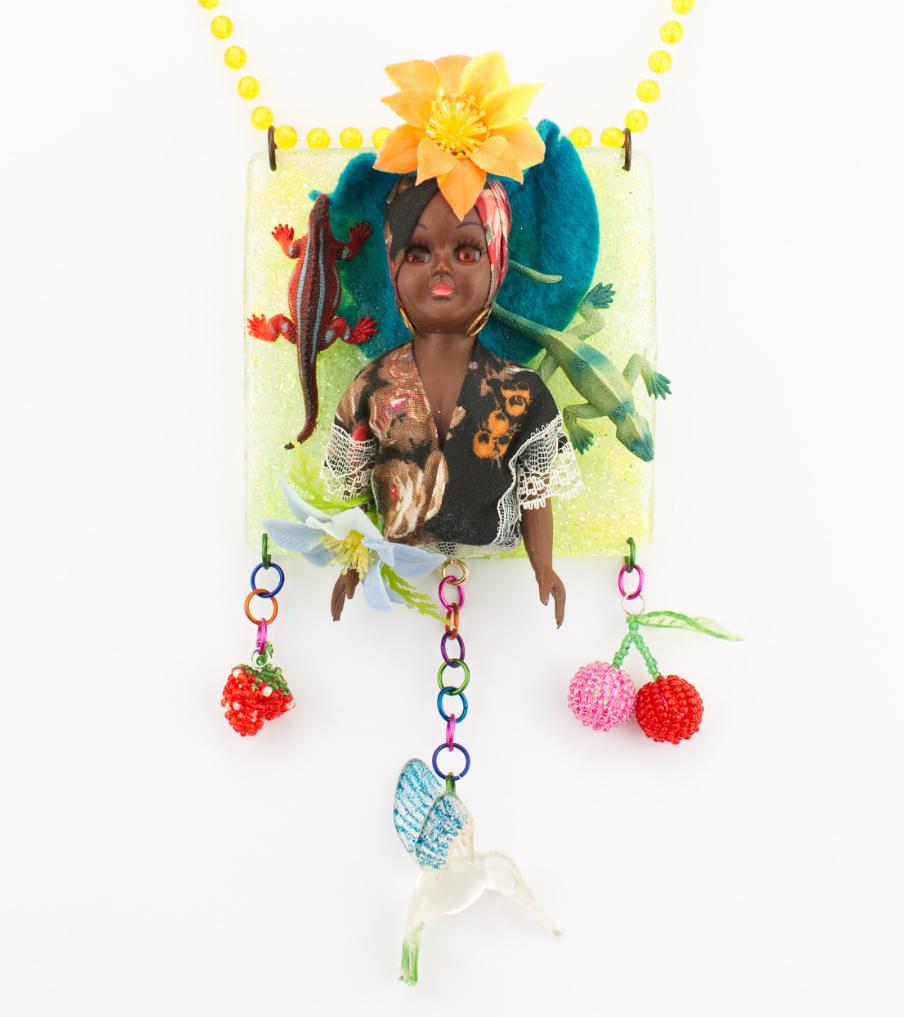 Dark flower woman - hanger | Sieraad - Belinda Brama